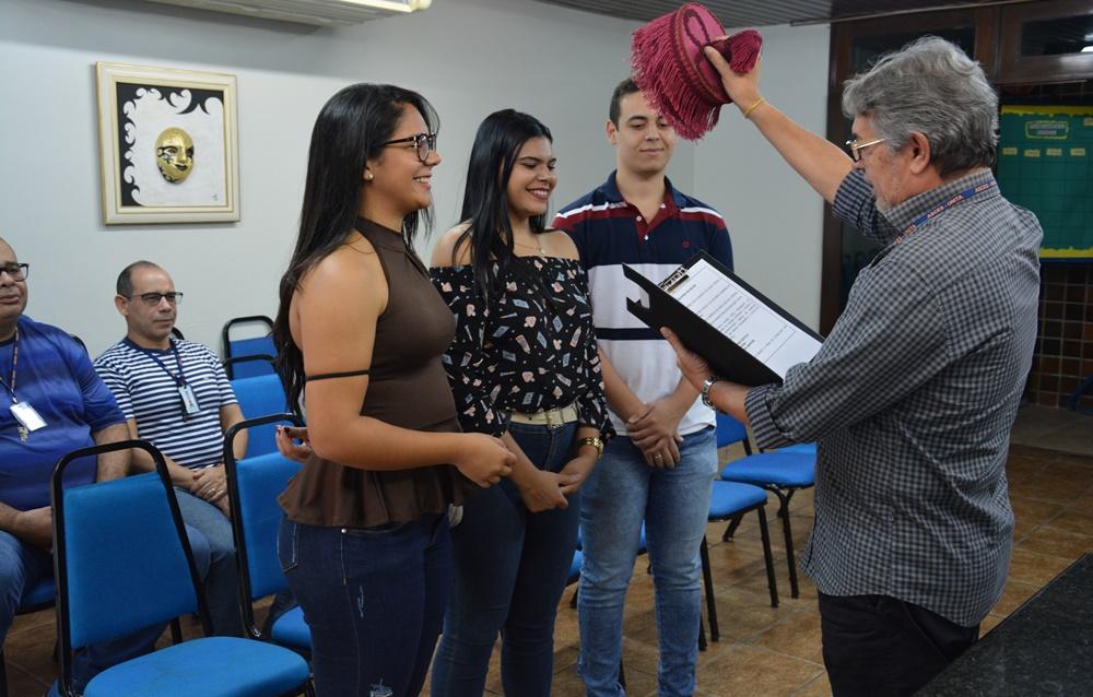 Estudantes de licenciatura em Educação Física recebem outorga de grau