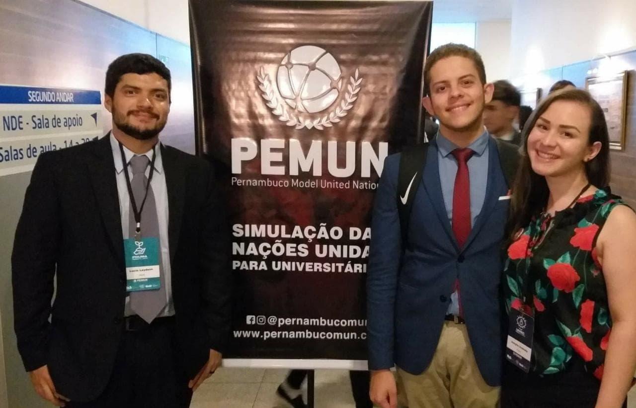 Alunos de Relações Internacionais participam do PEMUN