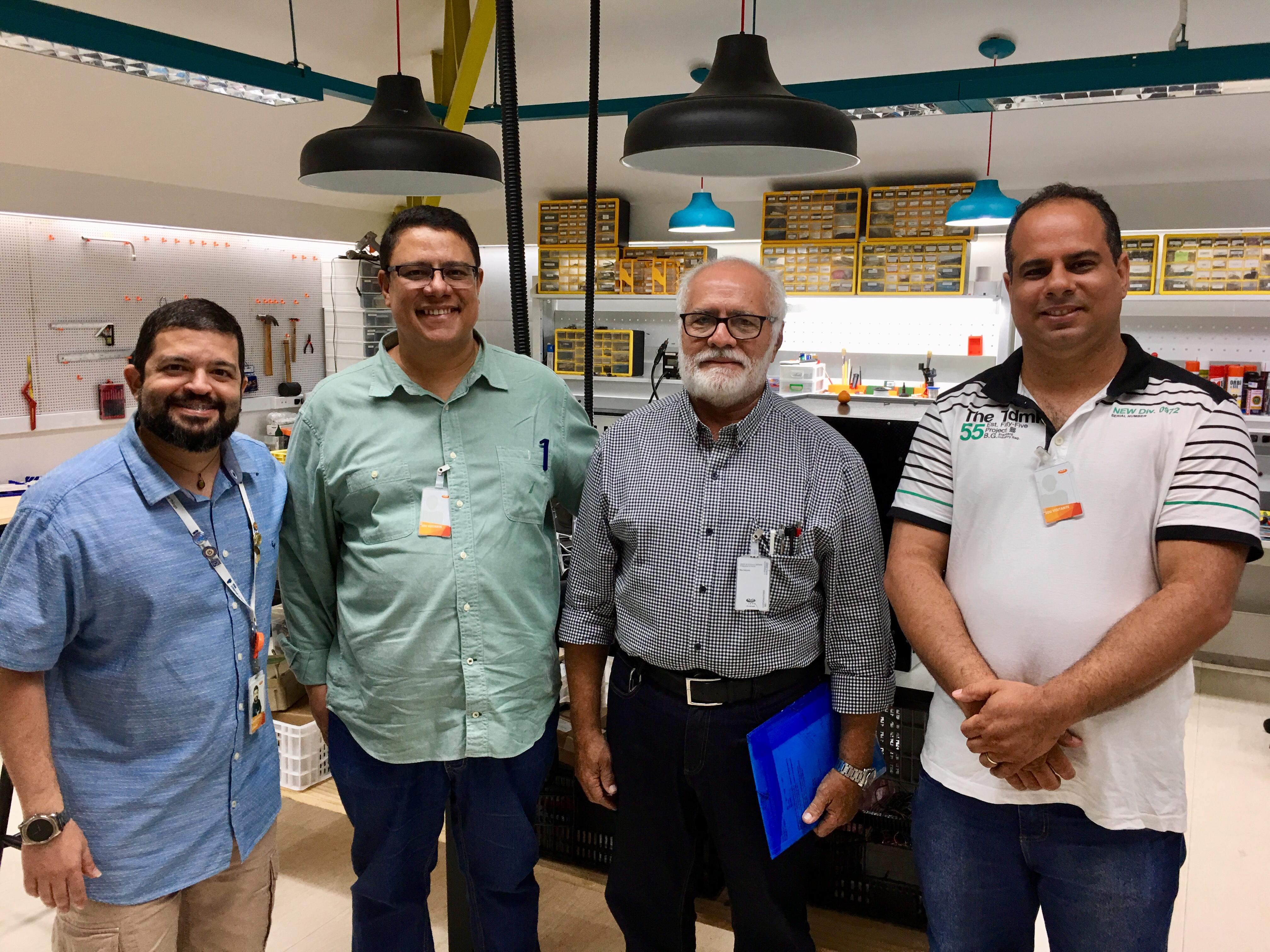 Professores visitam CESAR e firmam início a atividades do convênio