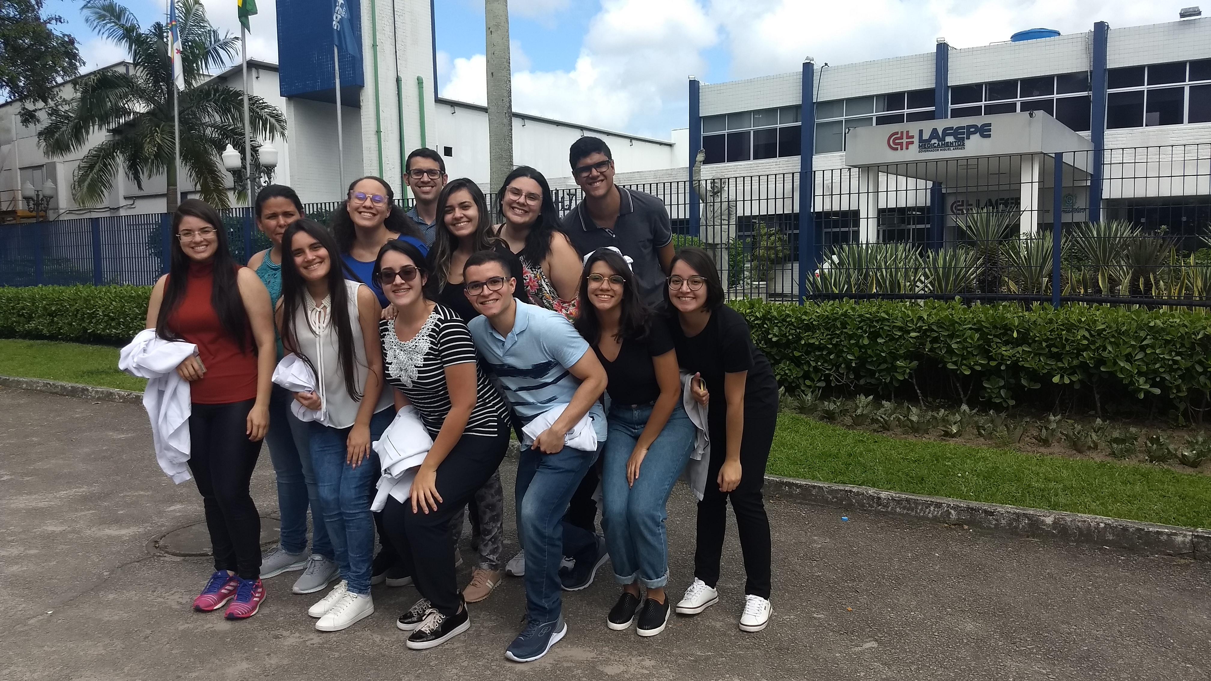 Estudantes de Farmácia visitam o Lafepe