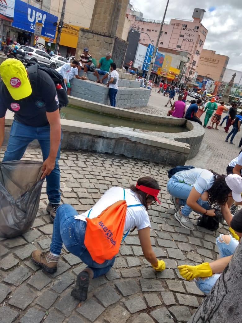 Asces-Unita participa de ação no dia mundial da limpeza