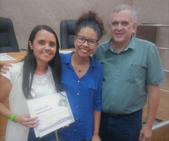Estudante e egressa de Farmácia são premiadas em evento do Hospital das Clínicas