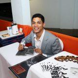 Estudante de Jornalismo Asces-Unita lança livro em Caruaru