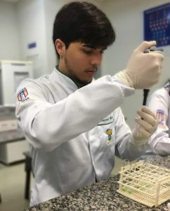 Nota de pesar - Vinícius de Andrade Máximo, estudante de Farmácia